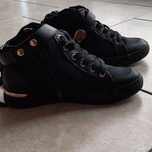 Aldo sneaker!